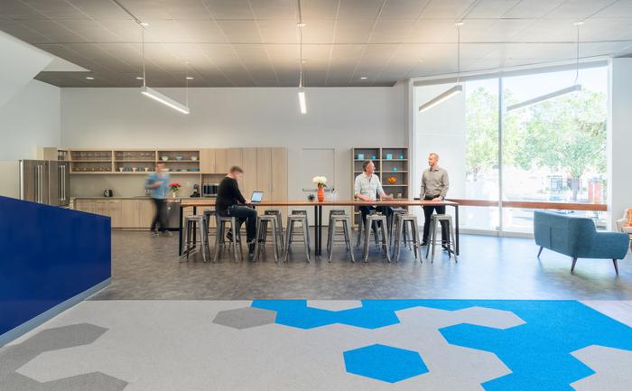 Thiết kế nội thất văn phòng làm việc với điểm nhìn mở